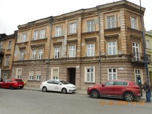 Budynek przed remontem elewacji